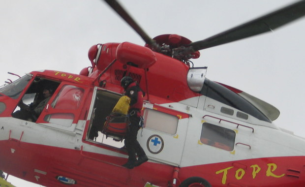 Dwa wypadki w Tatrach. Dwóch rannych turystów trafiło do szpitala