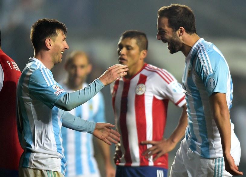 Dwaj bohaterowie Argentyny - Leo Messi (z lewej) i Gonzalo Higuain /AFP