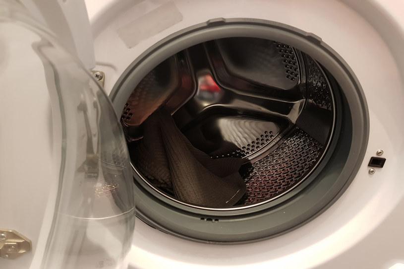 Dwaj mężczyźni zamknęli w pralce dwulatka, zdjęcie ilustracyjne /fujisl /123RF/PICSEL