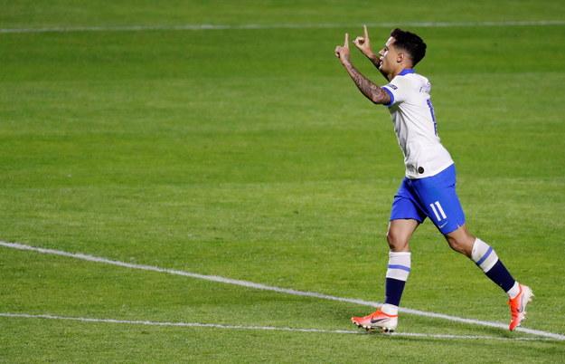 Dwie bramki strzelił Philippe Coutinho /Paulo Whitaker /PAP