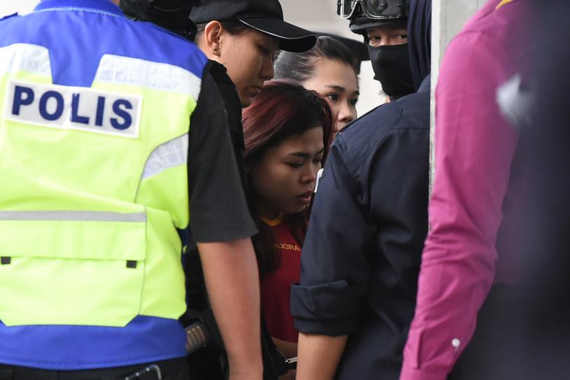 Dwie kobiety oskarżone o spowodowanie śmierci Kim Dzong Nama /MOHD RASFAN /AFP
