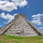 Dwie piramidy ukryte w starożytnej budowli Majów
