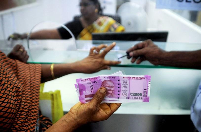 Dwie plagi niszczą gospodarkę Indii /AFP