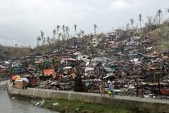 Dwie prowincje w Filipinach zrównane z ziemią