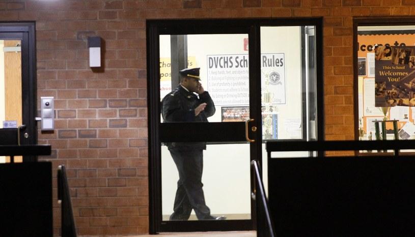 Dwóch uczniów szkoły średniej w Filadelfii zostało postrzelonych przez ich kolegę /PAP/EPA