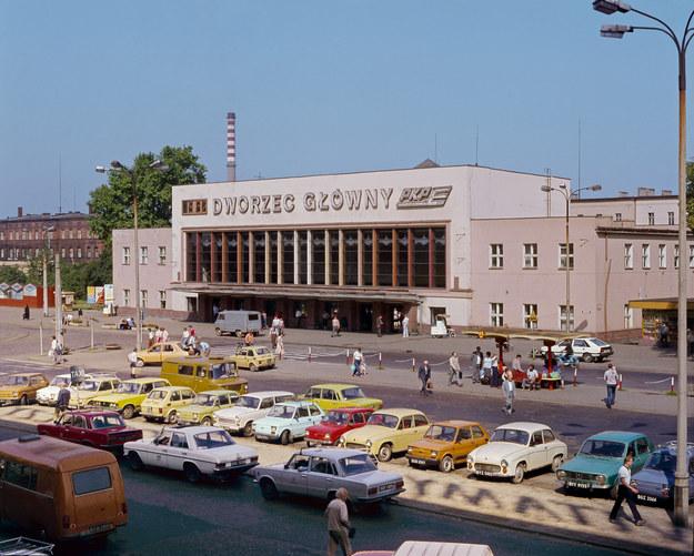 Dworzec Główny PKP w Bydgoszczy 1986 /Z archiwum Narodowego Archiwum Cyfrowego