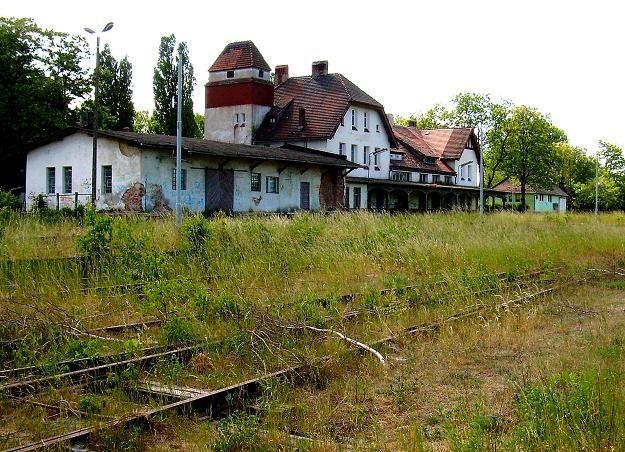 Dworzec w Połczynie Zdroju od lat niszczeje /Odkrywca