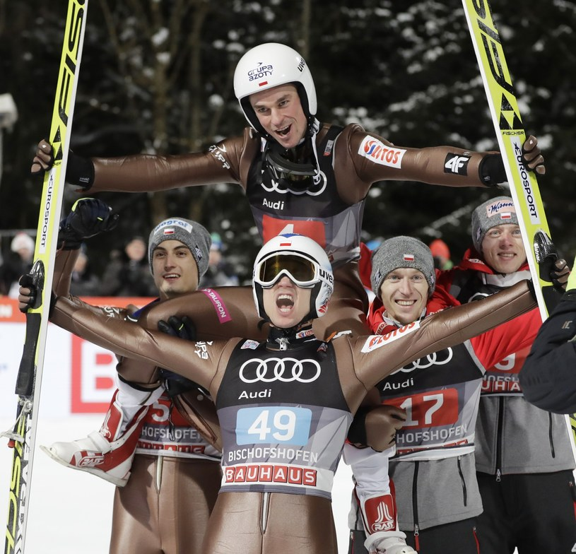 Dwunastu polskich skoczków wystąpi w zawodach Pucharu Świata w Wiśle /fot. AP /East News