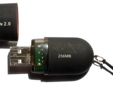 Dwurdzeniowy komputer wielkości pendrive'a