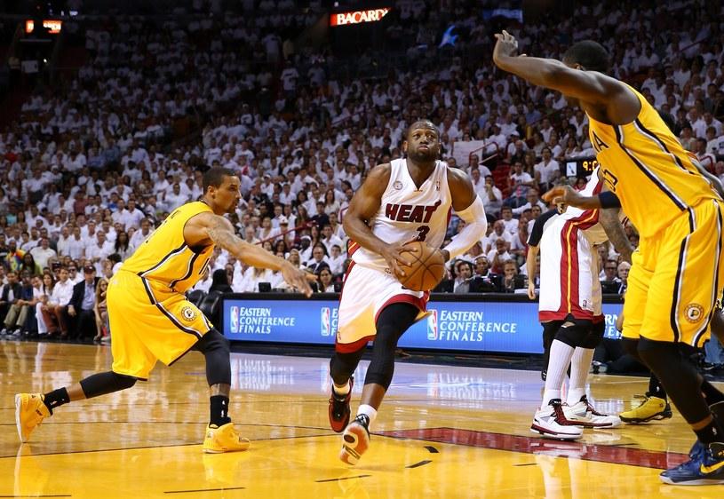 Dwyane Wade w ataku na kosz Indiana Pacers /AFP