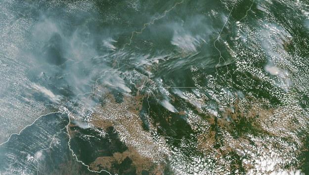 Dym nad Brazylią widziany z kosmosu /NASA /PAP/EPA