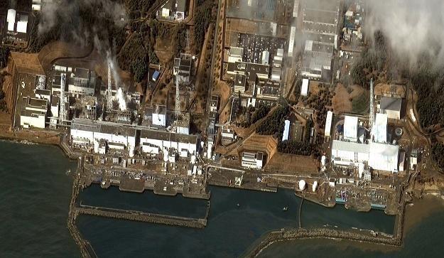 Dym nad elektrownią Fukushima I /AFP