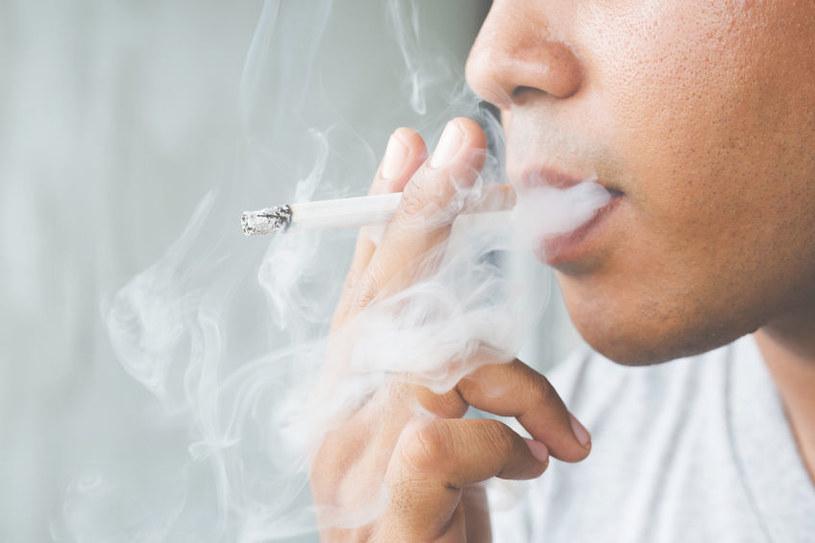 Dym papierosowy /©123RF/PICSEL