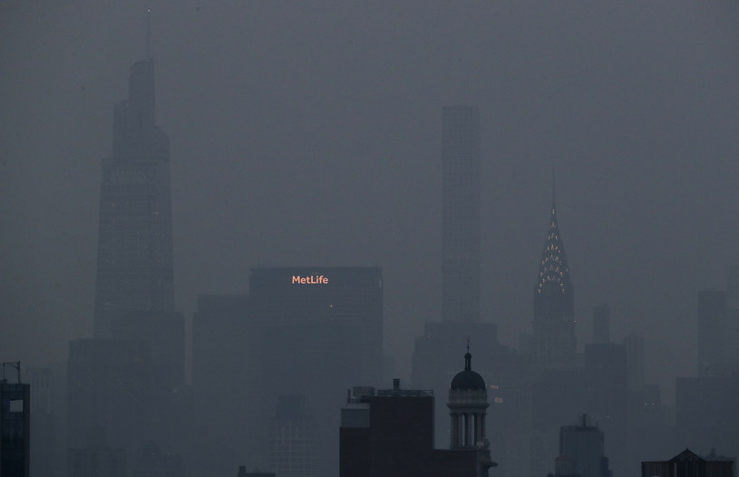 Dym z pożarów lasów na zachodzie USA oraz Kanady pogorszył jakość powietrza w Nowym Jorku /AP/Associated Press/East News /East News