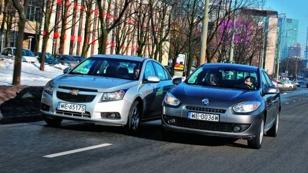 Dynamiczny i nieco agresywny styl Chevroleta czy elegancki i spokojny wygląd Renault? /Motor