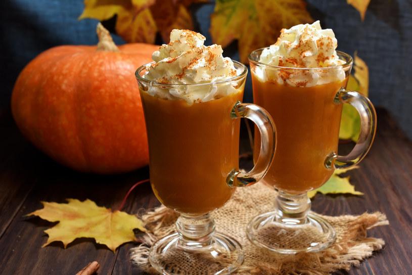 Dyniowe latte - idealne na jesienne wieczory /123RF/PICSEL