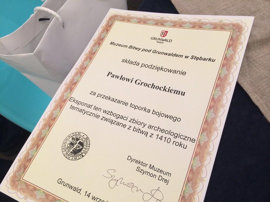Dyplom dla znalazcy toporka /Piotr Bułakowski /RMF FM