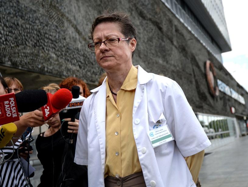 Dyrektor Centrum Zdrowia Dziecka, dr hab. n. med. Małgorzata Syczewska podczas oświadczenia dla mediów /Marcin Obara /PAP