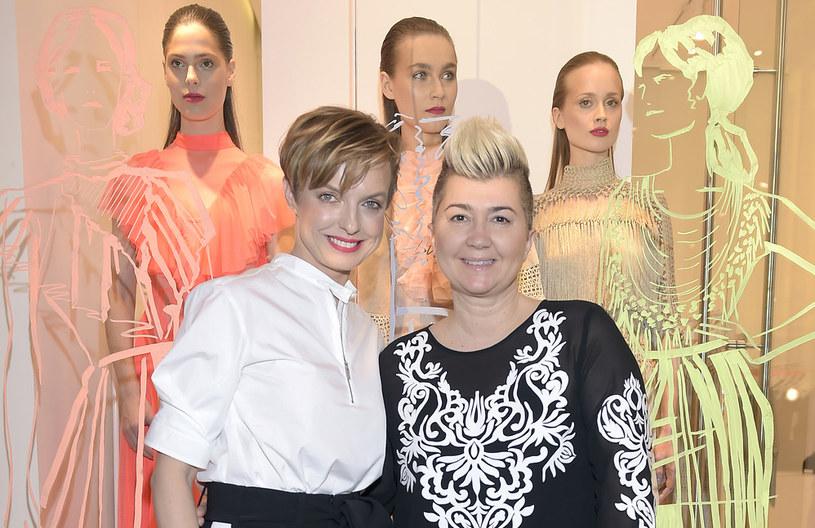 Dyrektor kreatywna The Designer Gallery Kasia Sokołowska z projektantką Lidią Kalitą /Jacek Kurnikowski /AKPA