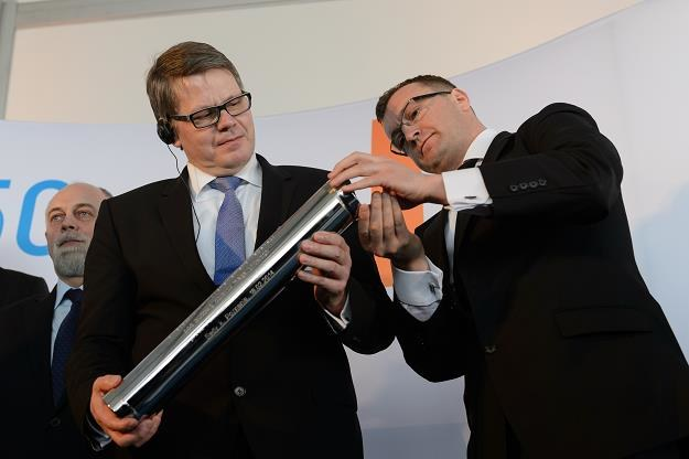 Dyrektor Real Estate EMEA Amazon Raimund Paetzman (P) oraz Robert Dobrzycki (P) z Panattoni Europe /PAP