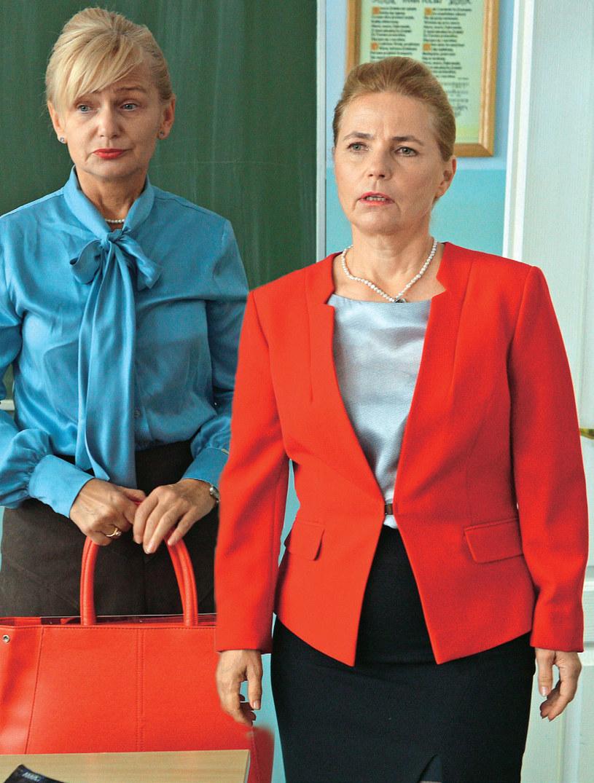 Dyrektorka (Ewa Kuryło) jeszcze raz będzie musiała przedstawić odmienioną Solejukową /Kurier TV