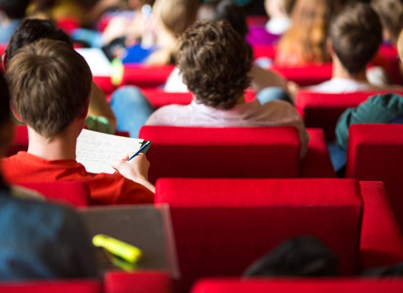 Dyskryminacja zaczyna się już na wczesnych etapach edukacji /123RF/PICSEL