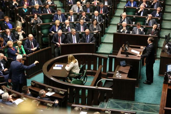 Dyskusja nad projektem ustawy o ustanowieniu Narodowego Dnia Zwycięstwa. /Tomasz Gzell /PAP