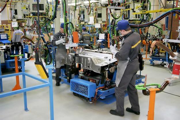 Dystrybutorzy i producenci części samochodowych mówią póki co o spowolnieniu /©123RF/PICSEL