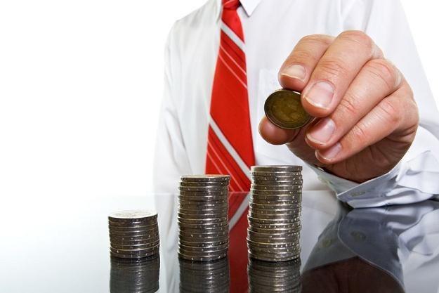Dżentlemeni nie rozmawiają o pieniądzach. A co, jeśli nie ma wyjścia? /123RF/PICSEL