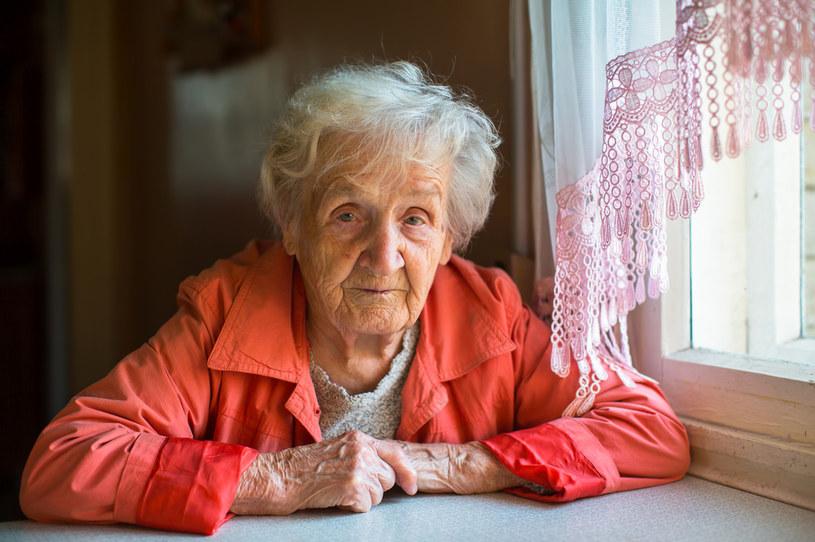 """Dziadkowie z pewnością mają """"swoje sposoby"""", ale powinni uszanować metody wychowawcze młodych rodziców /123RF/PICSEL"""