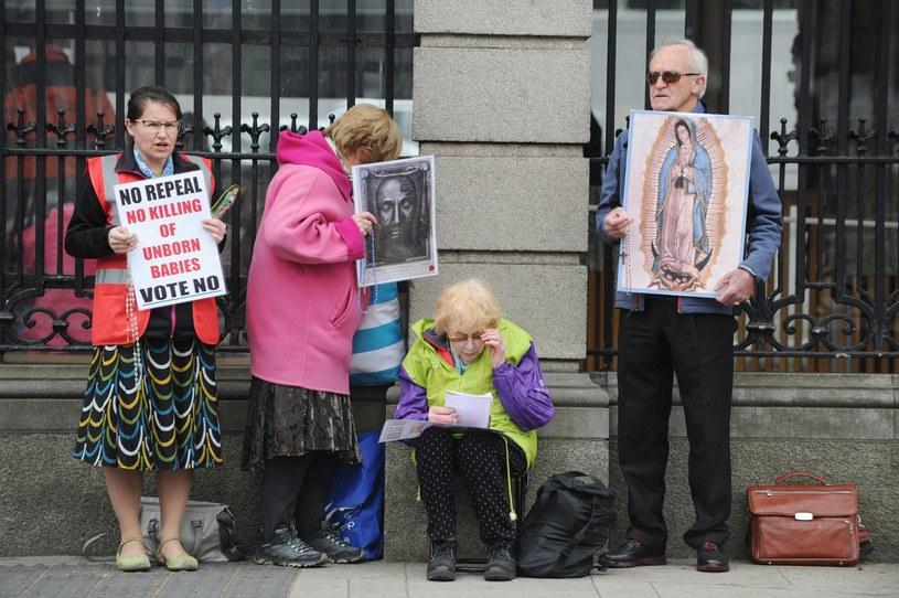 Działacze pro-life podczas głosowania w Irlandii /AIDAN CRAWLEY  /PAP/EPA