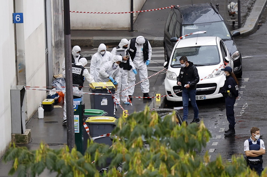 "Działania służb po ataku na ""Charlie Hebdo"" /IAN LANGSDON /PAP/EPA"