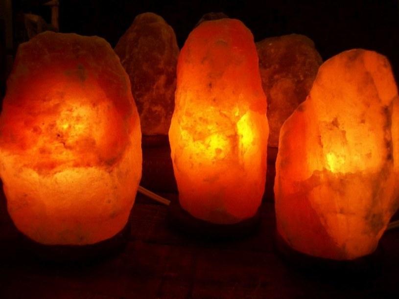 działanie lampy /© Photogenica