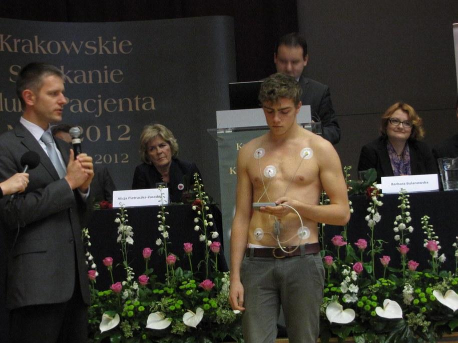 Działanie urządzenia przedstawiono podczas krakowskiego spotkania Klubu Pacjentów /Józef Polewka /RMF FM