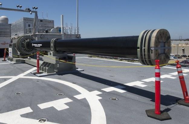 Działo elektromagnetyczne.   Fot. Kristopher Kirsop/U.S. Navy /materiały prasowe