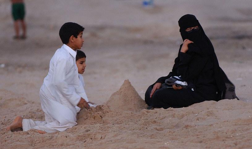 Dzieci, dom i mąż określają życie wielu arabskich kobiet /Getty Images/Flash Press Media
