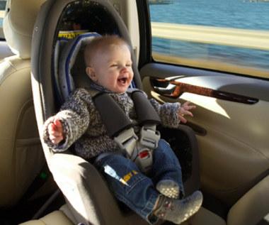 Dzieci giną w samochodach