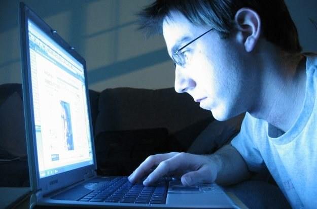 Dzieci i nastolatkowie często nie są w stanie przewidzieć konsekwencji swojego działania w sieci /stock.xchng