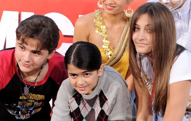 Dzieci Michaela (od lewej): Prince Jackson, Blanket Jackson, Paris Jackson /Kevin Winter /Getty Images