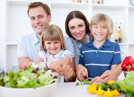 Dzieci mogą się zniechęcać do zieleniny, pamiętając gorzki posmak niektórych warzyw kapustnych /© Panthermedia