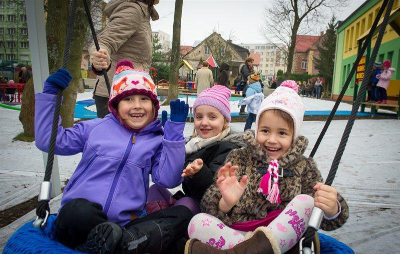 Dzieci na placu zabaw /Piotr Bułakowski /RMF FM
