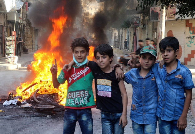 Dzieci na ulicach Aleppo /aa /PAP/EPA