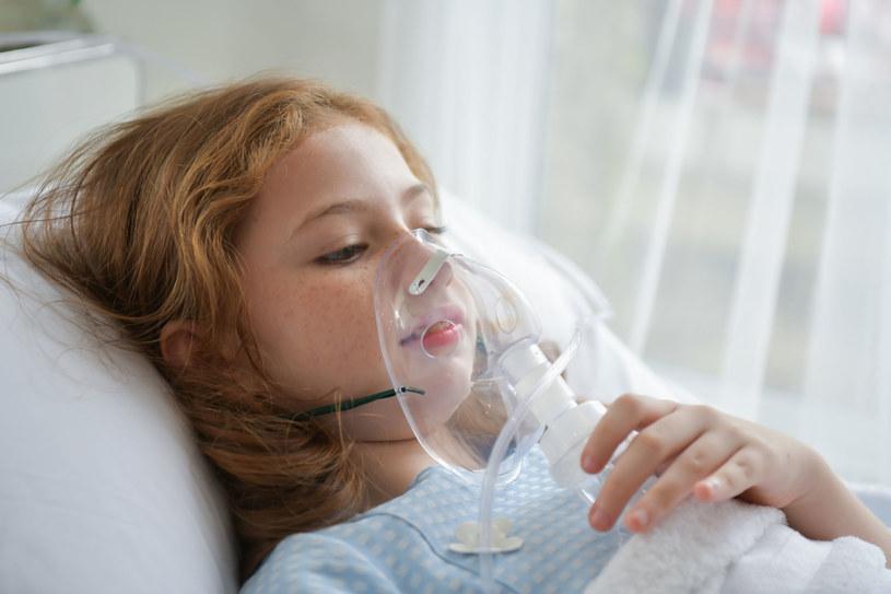 Dzieci nagminnie trują się lekami /123RF/PICSEL
