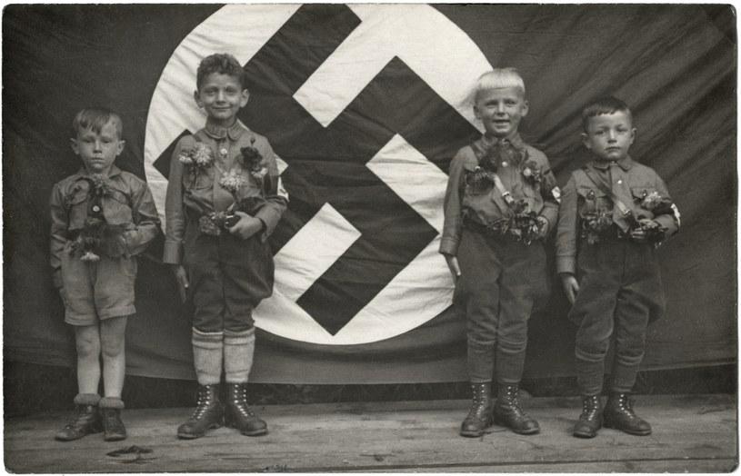 Dzieci poddawane były indoktrynacji od najmłodszych lat /Getty Images