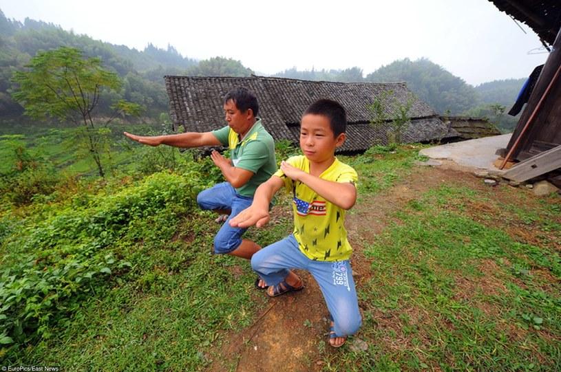 Dzieci również garną się do ćwiczeń /East News