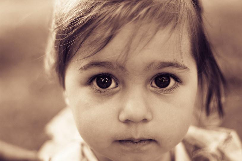 Dzieci są ufne, łatwo wzbudzić w nich poczucie winy, co często wykorzystują osoby o złych zamiarach /123RF/PICSEL
