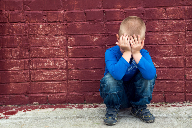 Dzieci też mogą cierpieć na depresję /123RF/PICSEL