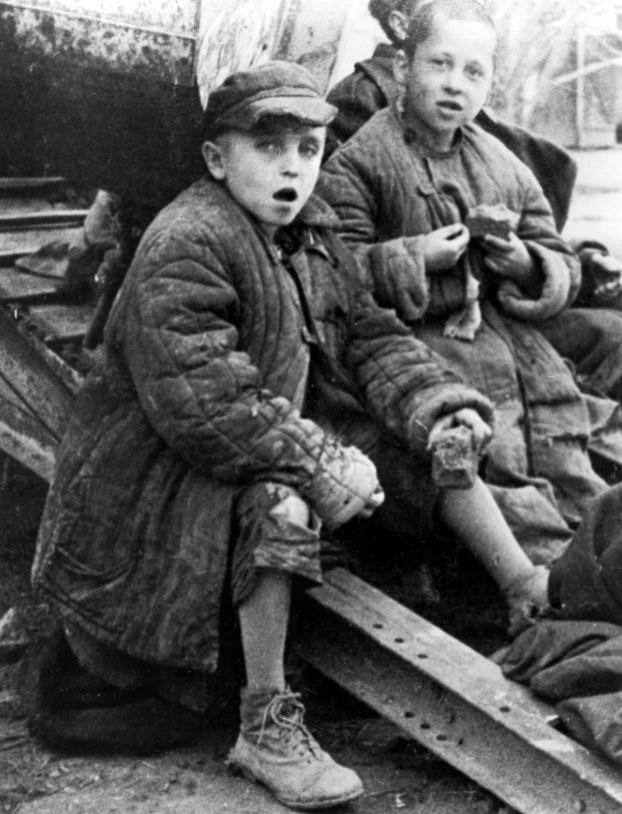 Dzieci uratowane przez generała Andersa ze Związku Sowieckiego /Z archiwum Narodowego Archiwum Cyfrowego
