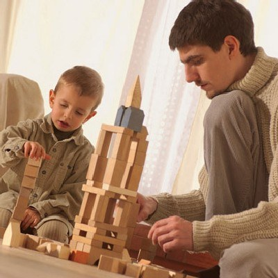 Dzieci uwielbiają zabawy z dorosłymi /INTERIA.PL