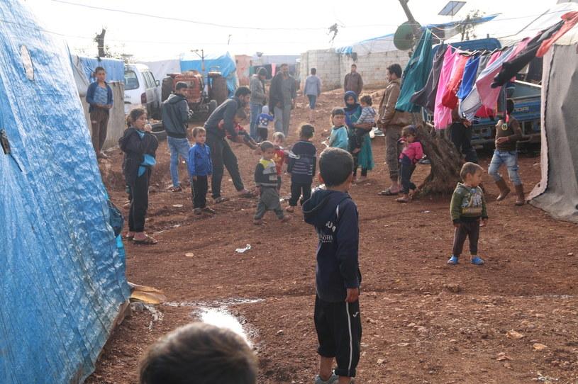 Dzieci w obozie dla uchodźców w północno-zachodniej Syrii /PMM /